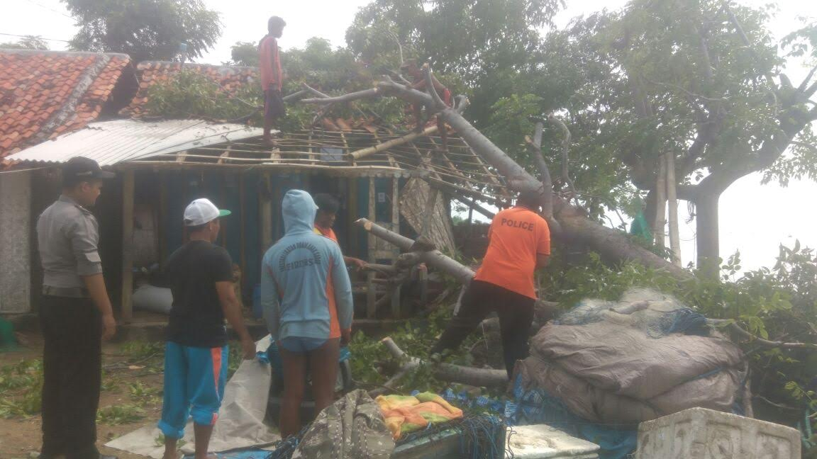 Puting Beliung Terjang Lima Rumah Warga Tanjung Pamekasan