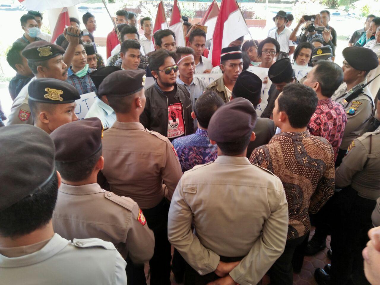 Galang Dukungan KPK, Jaka Jatim Demo DPRD Pamekasan