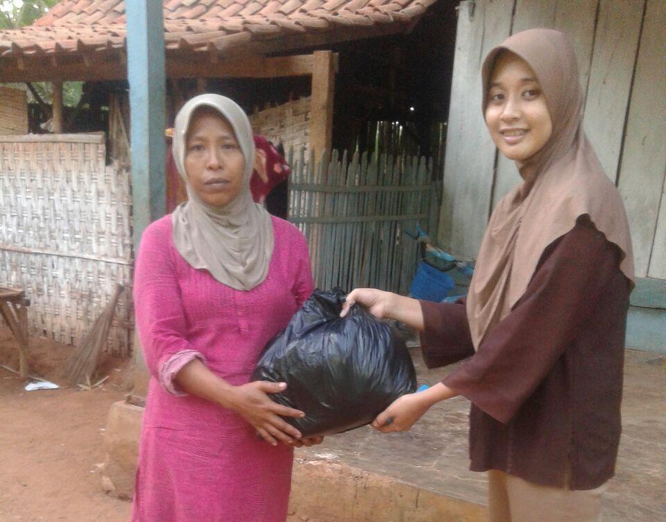 Ini Perjuangan Rosita untuk Warga Miskin di Taman Sare