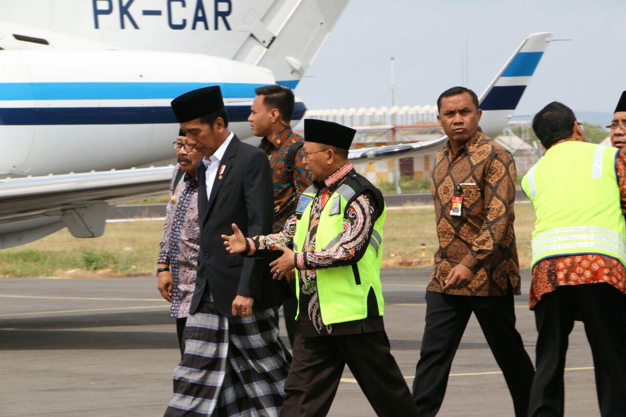 Sambut Presiden Jokowi, Bupati Sumenep Terlihat Akrab