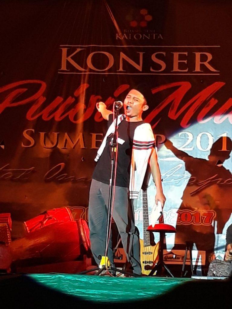 Fendi Kachonk, dalam Konser Puisi Musik Sumenep beberapa waktu lalu.