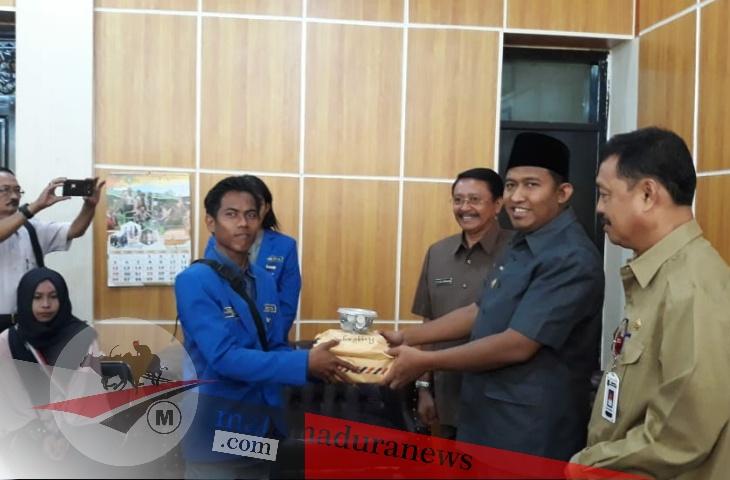 Wabup Fauzi Apresiasi Galang Dana PMII STITA Peduli Korban Gempa