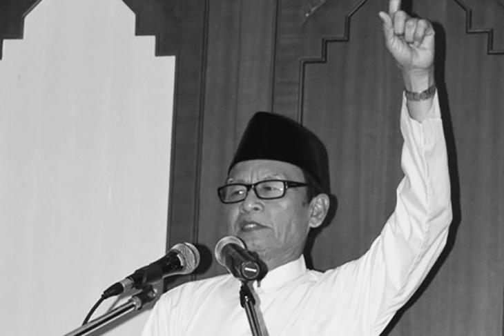 D. Zawawi Imron Menyulam Budaya Madura (3)
