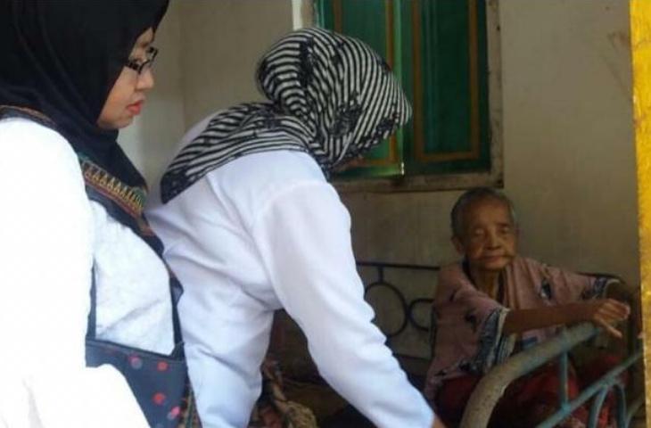 PKK Sumenep Sudah Tangani Nenek Nawara yang Terlantar
