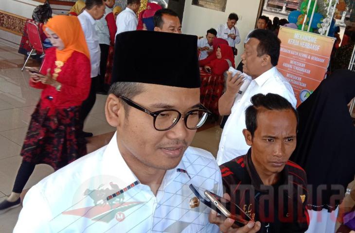 Bupati Latif Kucurkan Rp 1,4 Miliar untuk 162 Lembaga Keagamaan