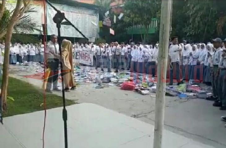 Karena Sering Sumbangan, Ratusan Siswa MAN Bangkalan Protes Kasek