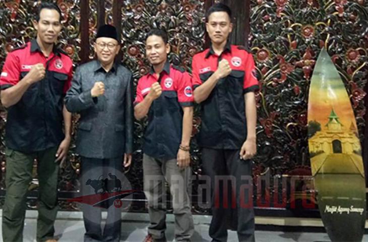 Bupati Busyro Respon Hangat Seribu Panther Berkumpul di Pantai Lombang