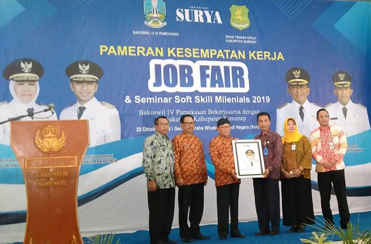 Buka Job Fair, Bupati Busyro Imbau Para Pencari Kerja Jangan Sampai Digantikan Mesin