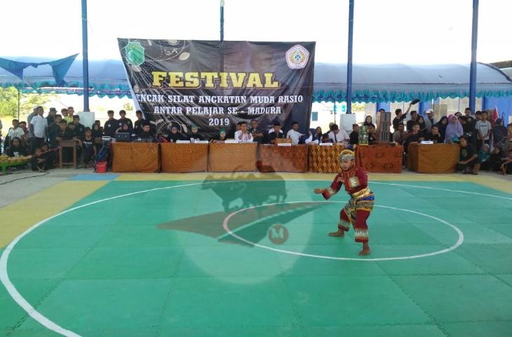 Sambut Hari Jadi dan Maulid, Pamur Pamekasan Gelar Festival Pencak Silat se-Madura